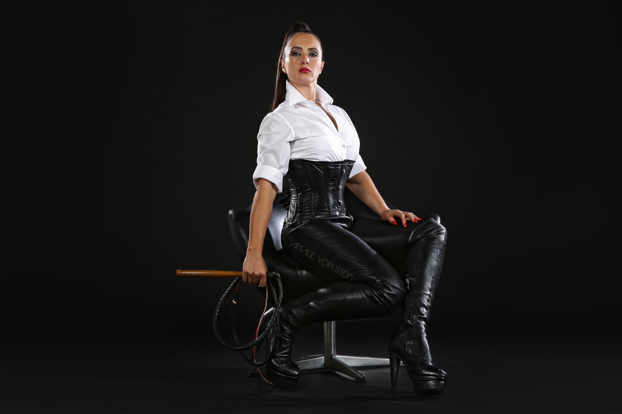 07-amalie-von-stein-black-3-gnadenlos
