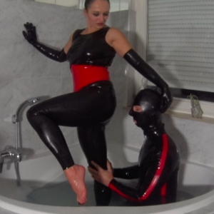 AVS_Clip53_DE_Latex Badespass